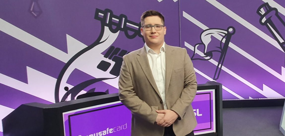 """Interview with UK LoL caster Dan 'Aux' Harrison: """"For the last few years there was always this impression that the UK was lacking in talent, but the amount of rookies we've had show up is pretty insane"""""""