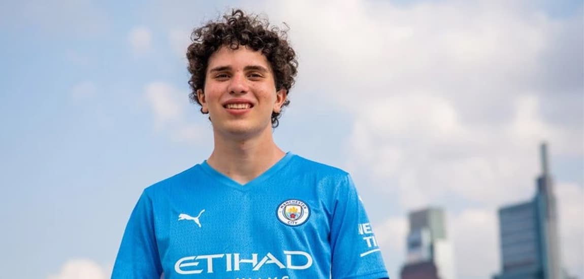 Man City to compete in Fortnite esports after signing 16-year-old player